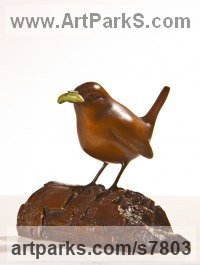 Bronze Small bird sculpture by Eddie Hallam titled: 'Wren with Caterpillar'