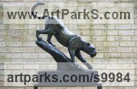 Bronze Cats Wild and Big Cats sculpture by Edward Waites titled: 'Leopard Descent (1/2 life-size)'
