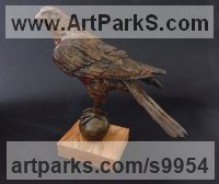 Bronze Birds Abstract Contemporary Stylised l Minimalist Sculpture / Statues sculpture by Elliot Channer titled: 'Falcon'