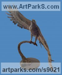 Bronze Birds of Prey / Raptors sculpture by sculptor Heidi Hadaway titled: 'Crowned Eagle'