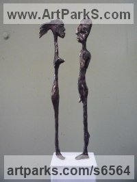 Bronze Human Figurative sculpture by sculptor Isabelle Biquet titled: 'Petit couple'