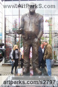 Bronze Male Men Youths Masculine sculpturettes figurines sculpture by sculptor Jane Robbins titled: 'Fred Dibnah'
