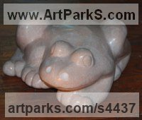 Tennessee Marble Carved Stone, Marble, Alabaster, Soap Stone Granite Lime stone sculpture by Jeff Birchill titled: 'Froggy (Polished Carved marble minimalist Frog statue)'