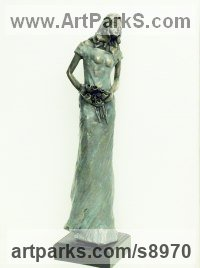 Bronze Resin Indoor figurative sculpture by Kay Singla titled: 'I`m in Love (Beautiful When in Love sculptures)'