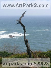 Bronze Birds of Prey / Raptors sculpture by Keith Calder titled: 'Freedom'
