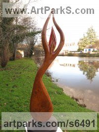 Ash bur sculpture by sculptor Ket Brown titled: 'L`Almee'