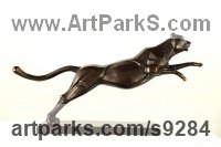 Bronze Animal Abstract Contemporary Modern Stylised Minimalist sculpture by Li-Jen SHIH titled: 'Leopard (Pouncing Leaping bronze Stylised sculptures)'