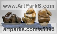 Bronze Bears sculpture by Mark Yale Harris titled: 'No Worries (Semi abstract Teddy Bears statuettes)'