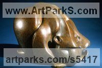 Bronze Animal Abstract Contemporary Modern Stylised Minimalist sculpture by sculptor Mark Yale Harris titled: 'Tidbit (abstract Stylised Crouching Bear statuette sculpture)'