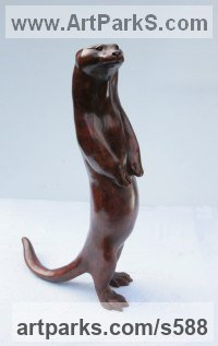 Bronze Badger, Otter, Beaver, Weasel, Stoat, Pine Martin, Wombat sculpture by Martin Hayward-Harris titled: 'Begging Otter (Bronze Erect Standing Indoor Outside statue)'