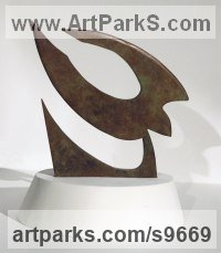 Copper Small bird sculpture by Martin Hayward-Harris titled: 'Bird in flight (abstract Flying Bird statue)'