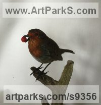 Wood Garden Bird and Animal sculpture by Martyn Bednarczuk titled: 'Robin (Carved Wood Painted Realistic Bird statue)'