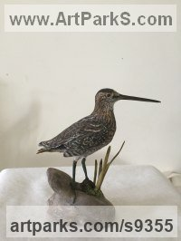 Wood & Paint Small bird sculpture by Martyn Bednarczuk titled: 'Snipe'