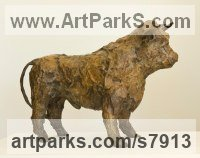 Bronze Cattle, Kine, Cows, Bulls, Buffalos, Bullocks, Heifers, Calves, Oxen, Bison, Aurocks, Yacks sculpture by Marzia Colonna titled: 'Bull (Little Small bronze Bull statue sculpture statuette)'