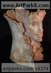 Terracotta Love / Affection sculpture by Paola Grizi titled: 'Ris-Volto (woman sculpture)'