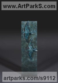 Bronze Birds Abstract Contemporary Stylised l Minimalist Sculpture / Statues sculpture by Simon Gudgeon titled: 'Swifts'