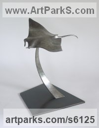 Bronze Dolphins, Whales, Porpoises, Seals, sculpture by Stephen Page titled: 'Manta Ray (Manta Rays Devil Fish statues/statuettes)'