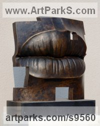 Bronze, granite Angular Abstract Modern Contemporary sculpture statuary sculpture by Tam�s Bar�z titled: 'Golden age (Bronze Big Outsize Lips sculpture statues)'