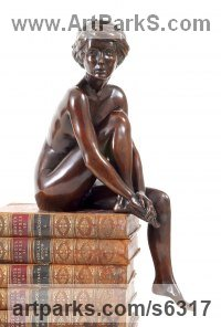 Bronze Nude sculpture statue statuette Figurine Ornament sculpture by Tom Greenshields titled: 'Merry (Small Bronze Naked Girl Sitting statuette)'
