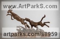 Cats Wild and Big Cats sculpture by Вezpally VALERON titled: 'Hunting the Antelope (Leaping statuette)'