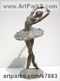 Bronze Sculptures of females by Vittorio Tessaro titled: 'Ballerina (bronze Ballet Dancer on Points Figurines statue statuettes)'