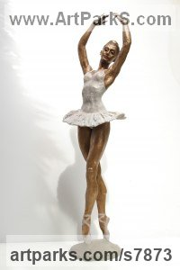 Bronze Indoor figurative sculpture by Vittorio Tessaro titled: 'Classic Ballerina (Pirouetting Ballet Dancer statue)'