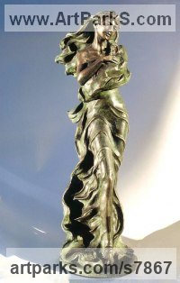 Bronze Indoor figurative sculpture by Vittorio Tessaro titled: 'Motherhood (Small Bronze Mother and Child/Baby Standing statue statuette)'